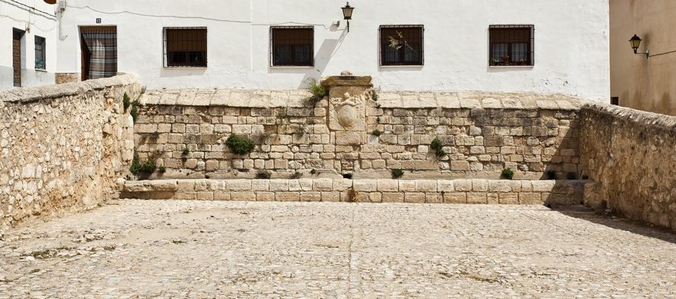 pilon-plaza-pilar